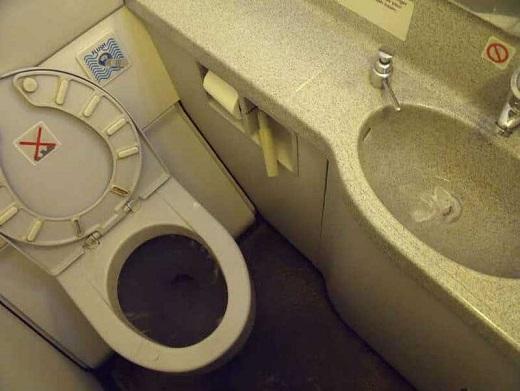 چگونه ایرلاین ها صندلیهای بیشتری به هواپیماها اضافه میکنند؟