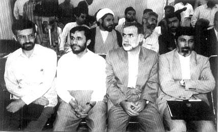 وقتی زیباکلام، خویینیها و احمدینژاد را به هم میدوزد!