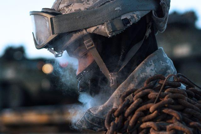سربازی در سرمای آلاسکا (عکس)