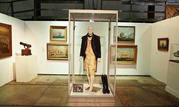 حراج لباسها و وسایل آقای «گلادیاتور»