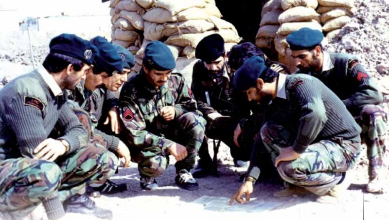 چرا ارتش محبوب است؟