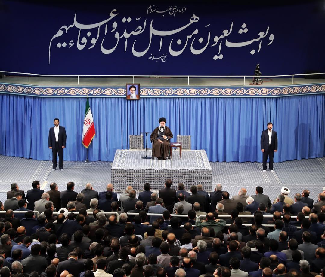دیدار مدیران و کارکنان وزارت اطلاعات با مقام معظم رهبری(عکس)