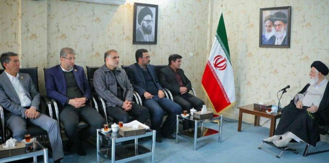 تأکید امام جمعه مشهد بر انتقال سریع باشگاه پدیده