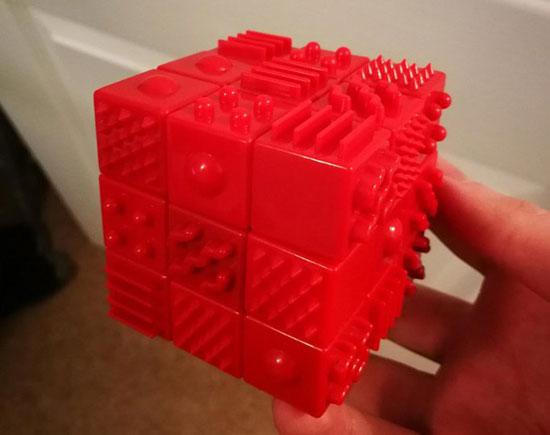 مکعب روبیک برای نابینایان (عکس)