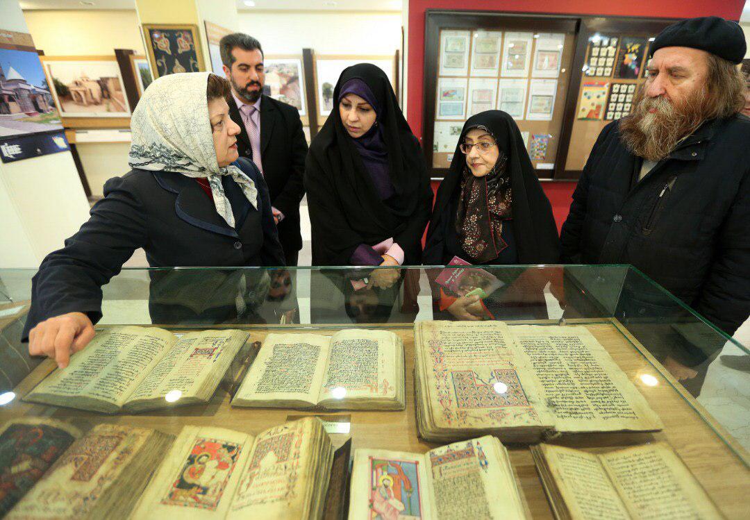 بازدید رئیس سازمان اسناد و کتابخانه ملی از کلیسای حضرت مریم