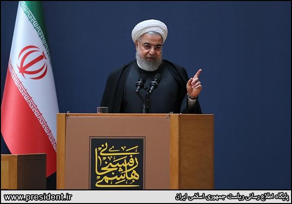 روحانی: هاشمی به دنبال ایران مُدرن بود/ جنگ با دنیا هنر نیست، پایان دادن به جنگ هنر است