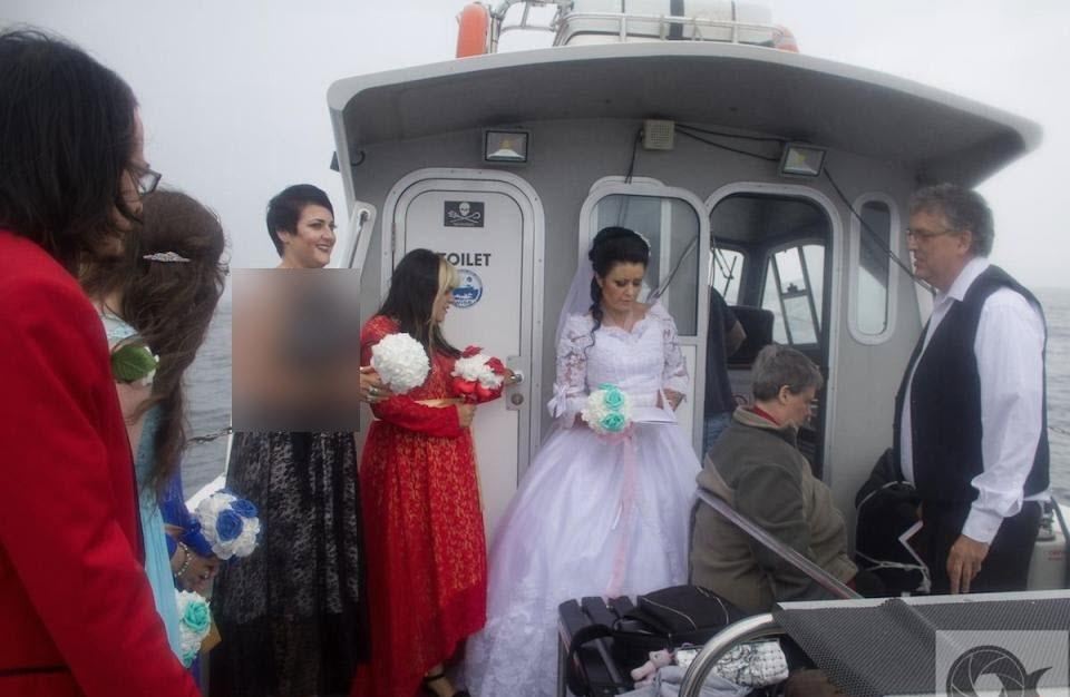 ادعای عجیب زنی که با یک روح ازدواج کرده است! (+عکس)