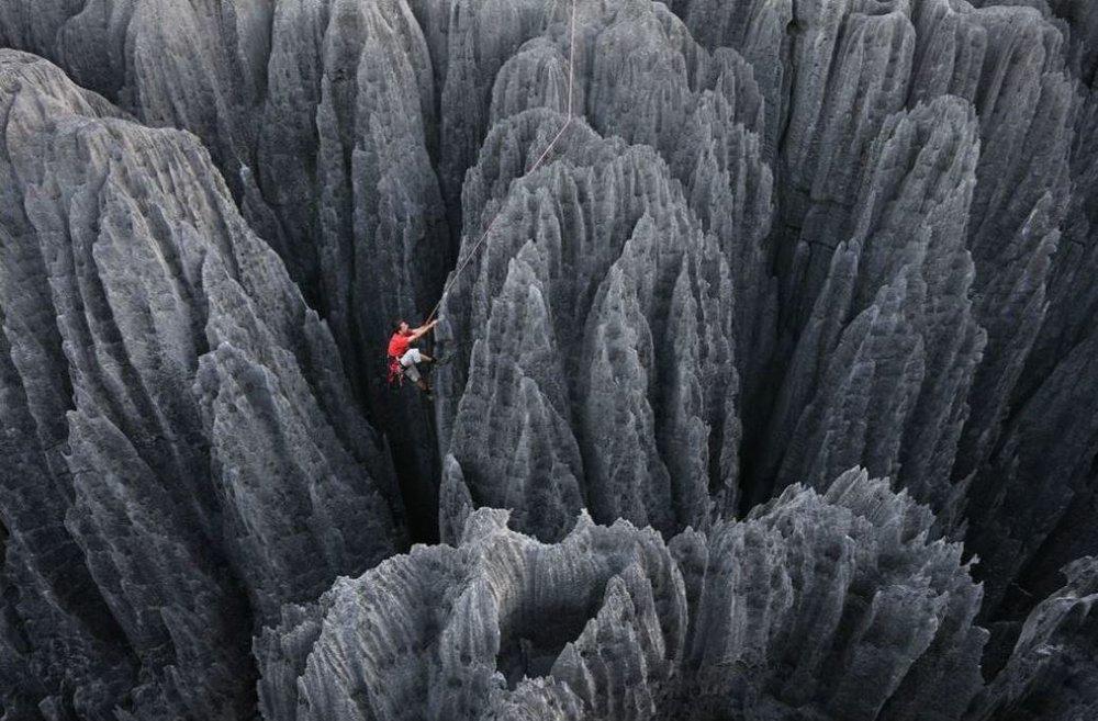 لحظات حساس صخرهنوردی (+عکس)