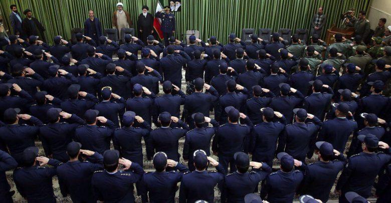 انتقاد زائری از ادای احترام معنی دار همافران به امام جمعه مشهد