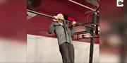 آمادگی جسمانی عجیب پیرزن ۷۲ ساله (فیلم)
