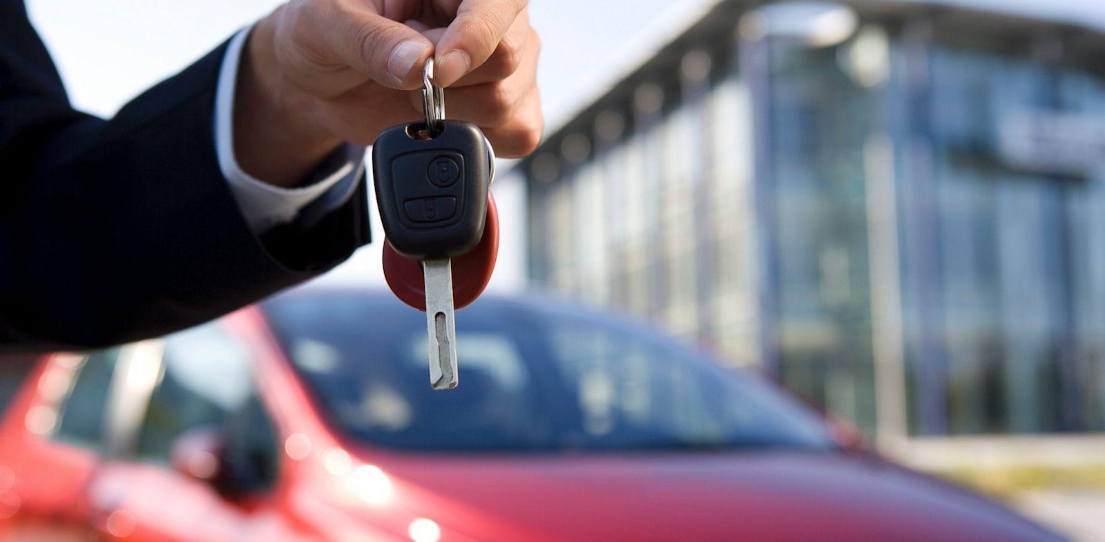 خرید آنلاین خودرو از دیوار؛ چگونه ایمن معامله کنیم؟