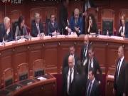 پاشیدن جوهر به صورت نخستوزیر آلبانی (فیلم)
