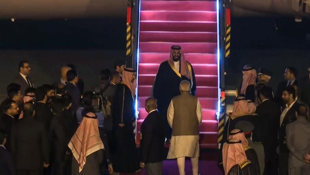 ورود ولیعهد سعودی به هند (عکس)