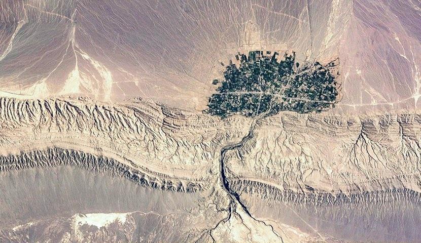 روستایی به شکل درخت ریشه دار (عکس)