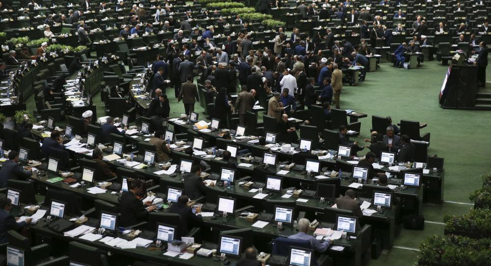 8 نکته درباره مصوبه جدید مجلس: نمایندگی برای بار چهارم ممنوع