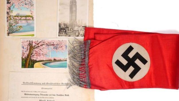 رومیزی هیتلر در ایرلند به حراج گذاشته شد (+عکس)