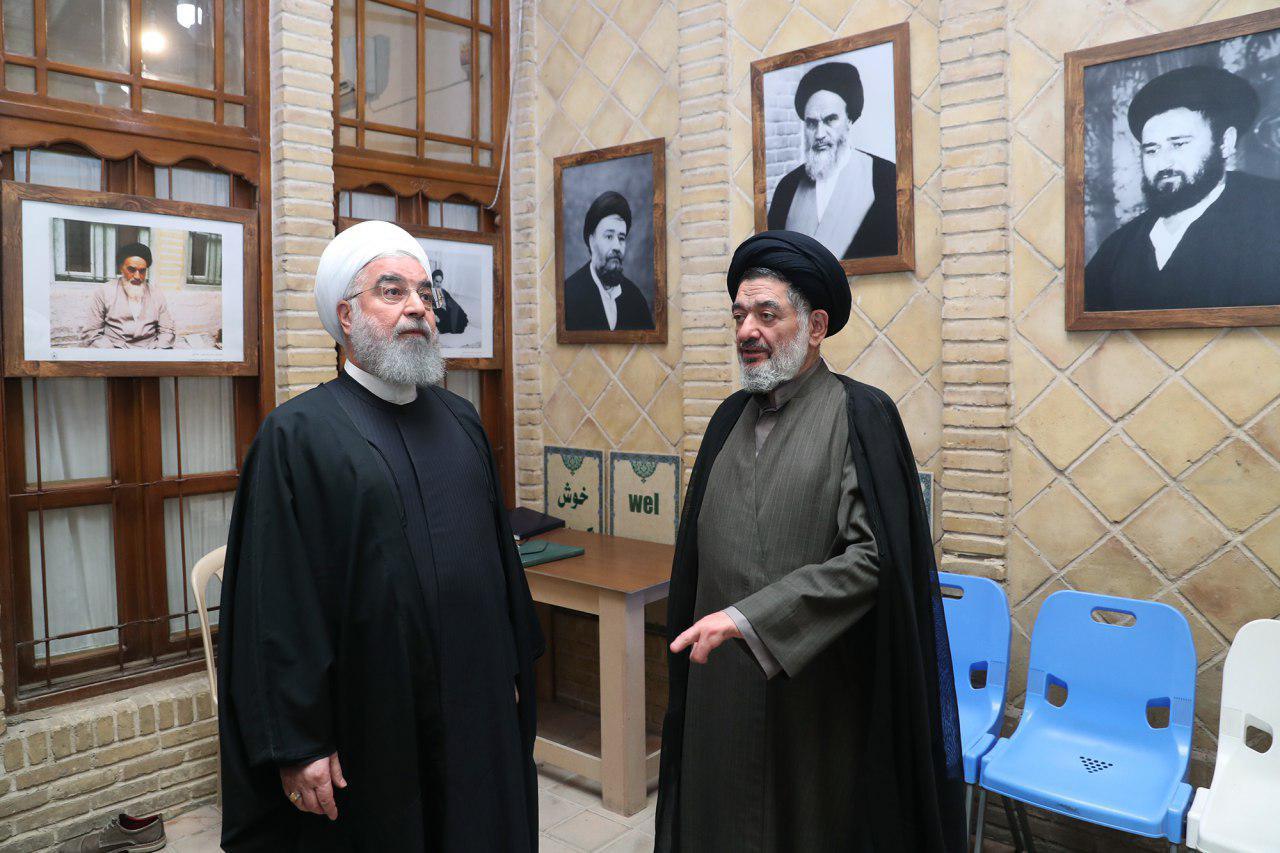 بازدید روحانی از بیت تاریخی امام خمینی(ره) در نجف اشرف (عکس)