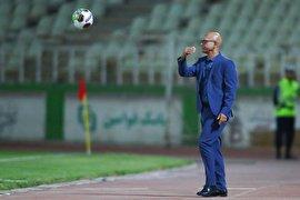 سرمربی نفت مسجدسلیمان: کارت بانکی خودم را به بازیکنان دادهام