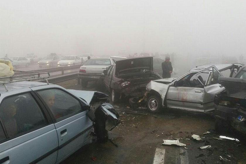 فرمانده پلیس راه: 60 درصد تصادفات واژگونی در ۳۰ کیلومتری شهرها رخ داد است/ استان فارس رتبه اول کشته های تصادفات جاده ای در نوروز 97
