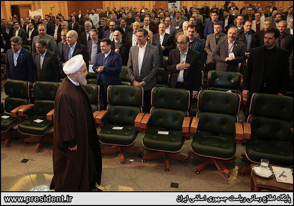 روحانی: رهبری چند بار به من گفتند که با لوایج چهارگانه مخالفتی ندارند/ پس چه کسی مخالف است؟/ نمیشود کشور را دست  10-20 نفر بدهند!