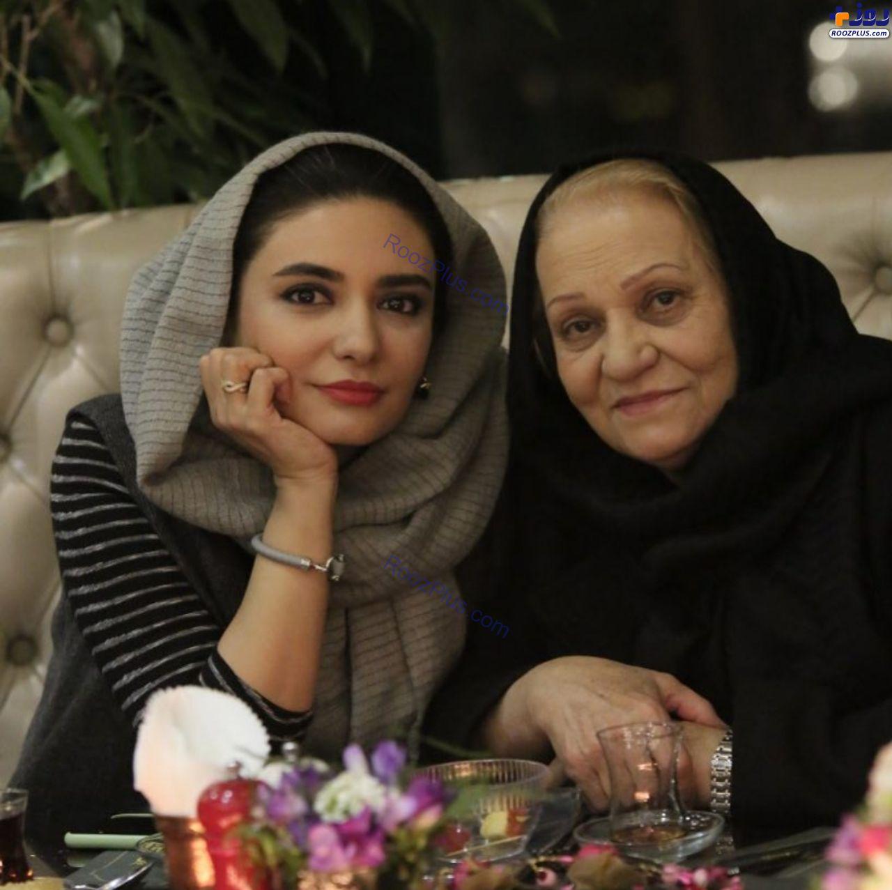 لیندا کیانی در کنار مادرش (عکس)