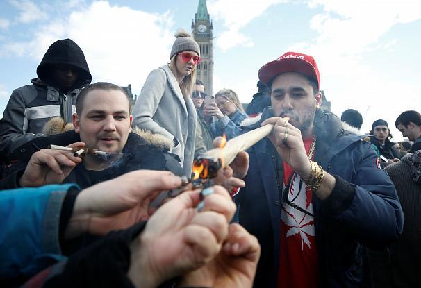 بزرگترین «جشن ماریجوانا» آمریکای شمالی را غرق دود کرد (+عکس)