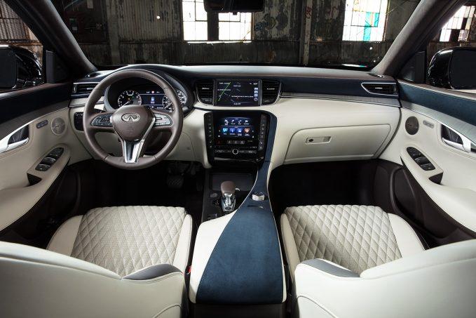 برترین فضاهای داخلی در خودروهای 2018 را ببینید