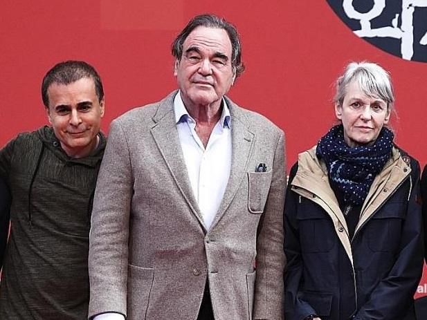 جشنواره جهانی فیلم فجر: الیور استون را خودمان آوردیم نه بهمن قبادی