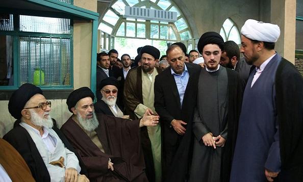 مشاهدات یکی از حاضران از مراسم عمامهگذاری فرزند سید حسن خمینی/ کاملا ساده بود