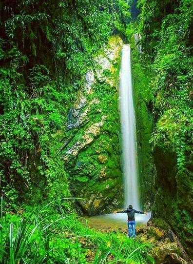 آبشاری زیبا در آمل (عکس)