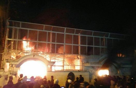ماجرای هولوکاست و آتش زدن سفارت عربستان درباره