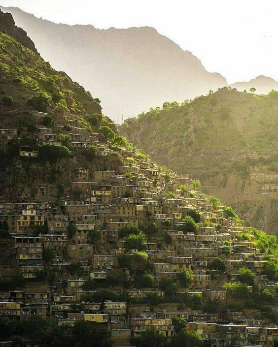 روستایی با معماری شگفتانگیز در کردستان (عکس)