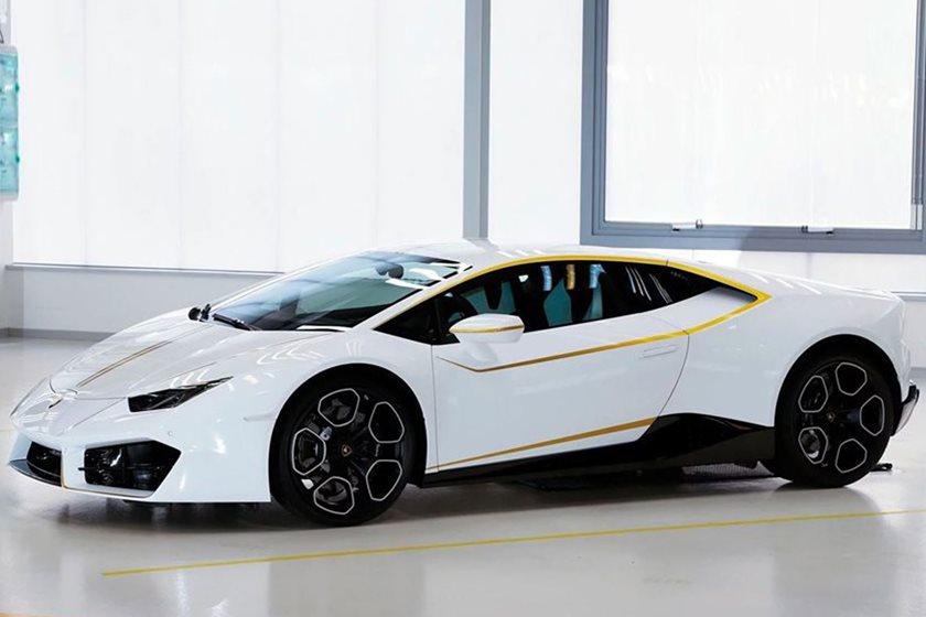 لامبورگینی پاپ 4 برابر قیمت اصلی به فروش رسید/ عواید حاصل از این خودرو خرج مصارف خیریه خواهد شد