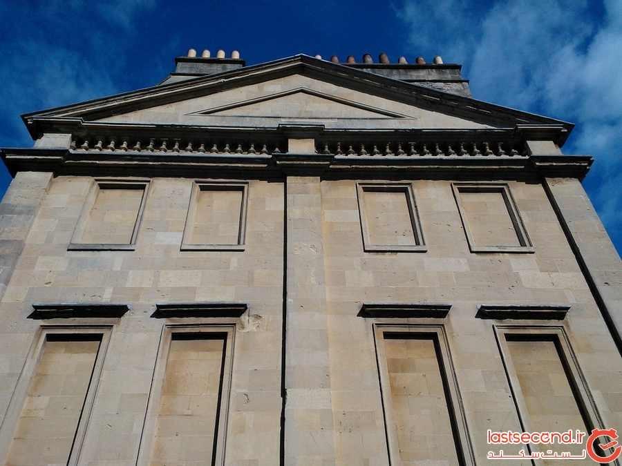 چرا بسیاری از ساختمان های تاریخی در انگلستان پنجره های خود را با آجر پوشانده اند؟