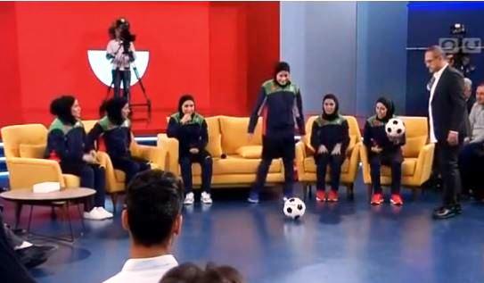 مورد عجیب دختران فوتبالیست در تلویزیون!
