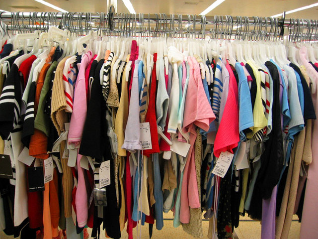 99 درصد از پوشاک وارد شده از چین و امارات، قاچاق است