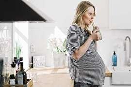 در زمان بارداری از این غذاها پرهیز کنید