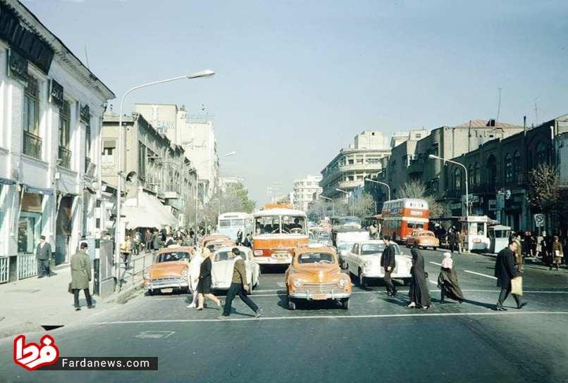 خیابان سعدی در سال 1345 (عکس)