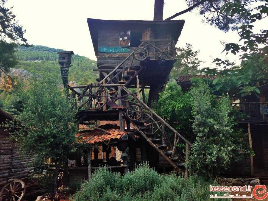 تجربه اقامت در خانه های درختی در ترکیه (+عکس)