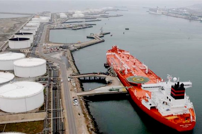 2 میلیون و 115 هزار بشکه؛ میانگین صادرات روزانه نفت خام در سال96