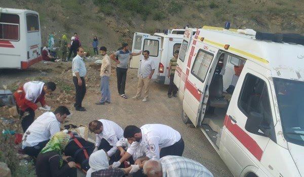 19 مصدوم در برخورد مینی بوس به کوه در سوادکوه مازندران (+عکس)