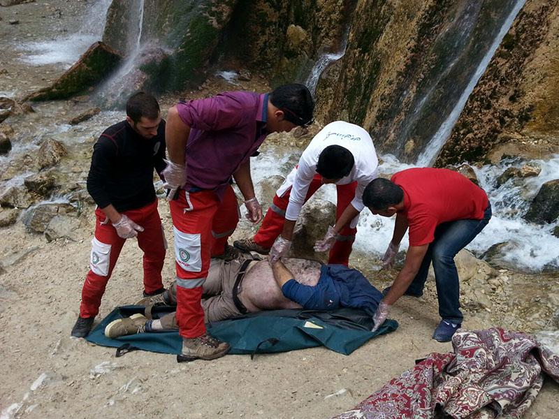 سقوط مرگبار جوان مشهدی از آبشار به خاطر عکس سلفی (+عکس)