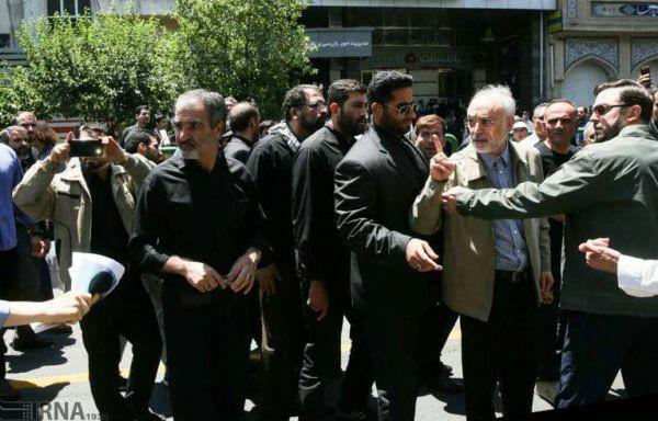 شعارهای تند علیه صالحی در تظاهرات روز قدس / صالحی: ادب داشته باش