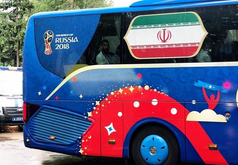 خیابانهای مسکو در تصرف اتوبوس تیم ملی ایران (+عکس)