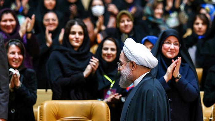 آقای روحانی، چه کسی باید زنان را به ورزشگاه راه دهد؟ ما یا شما؟