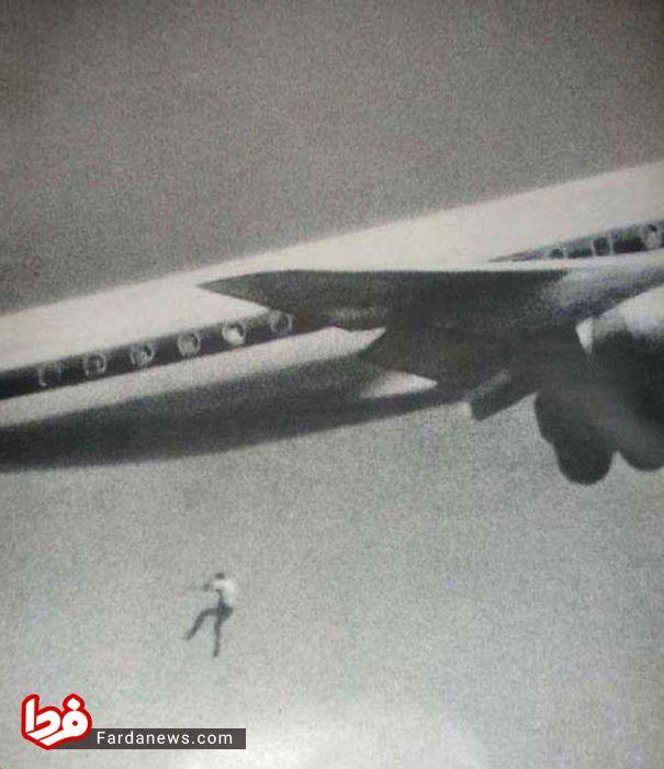 سقوط جوان 14 ساله از هواپیما (عکس)
