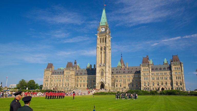 پارلمان کانادا: افزودن سپاه پاسداران به لیست گروه های تروریستی / توقف عادی سازی روابط با ایران