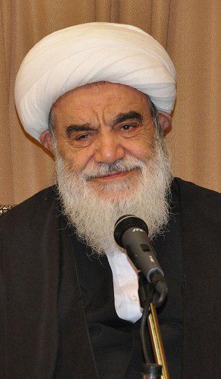 رئیس حوزه علمیه اصفهان: نگاه شهوتآمیز موجب ضعف چشم میشود/ علامت عفت خانم، چادر است