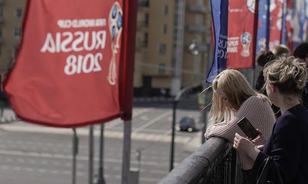 هشدار به زنان روس: با مردان خارجی مسافر جام جهانی رابطه جنسی برقرار نکنید