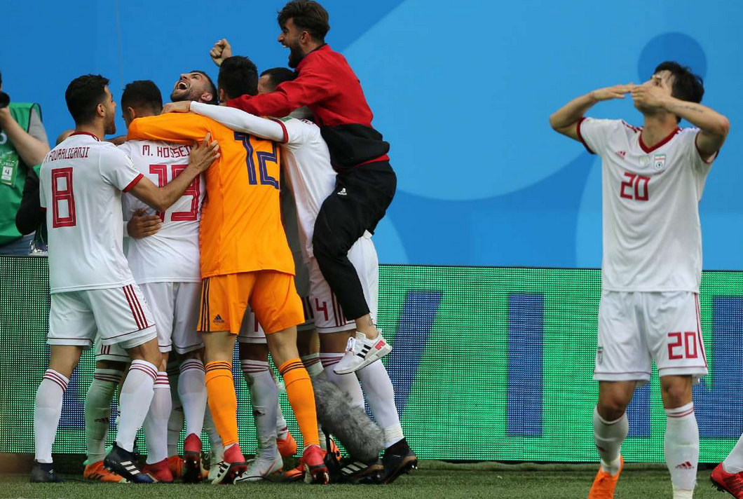 90 دقیقه گفتوگو/ آیا ایران به مرحله بعد جام جهانی صعود میکند؟